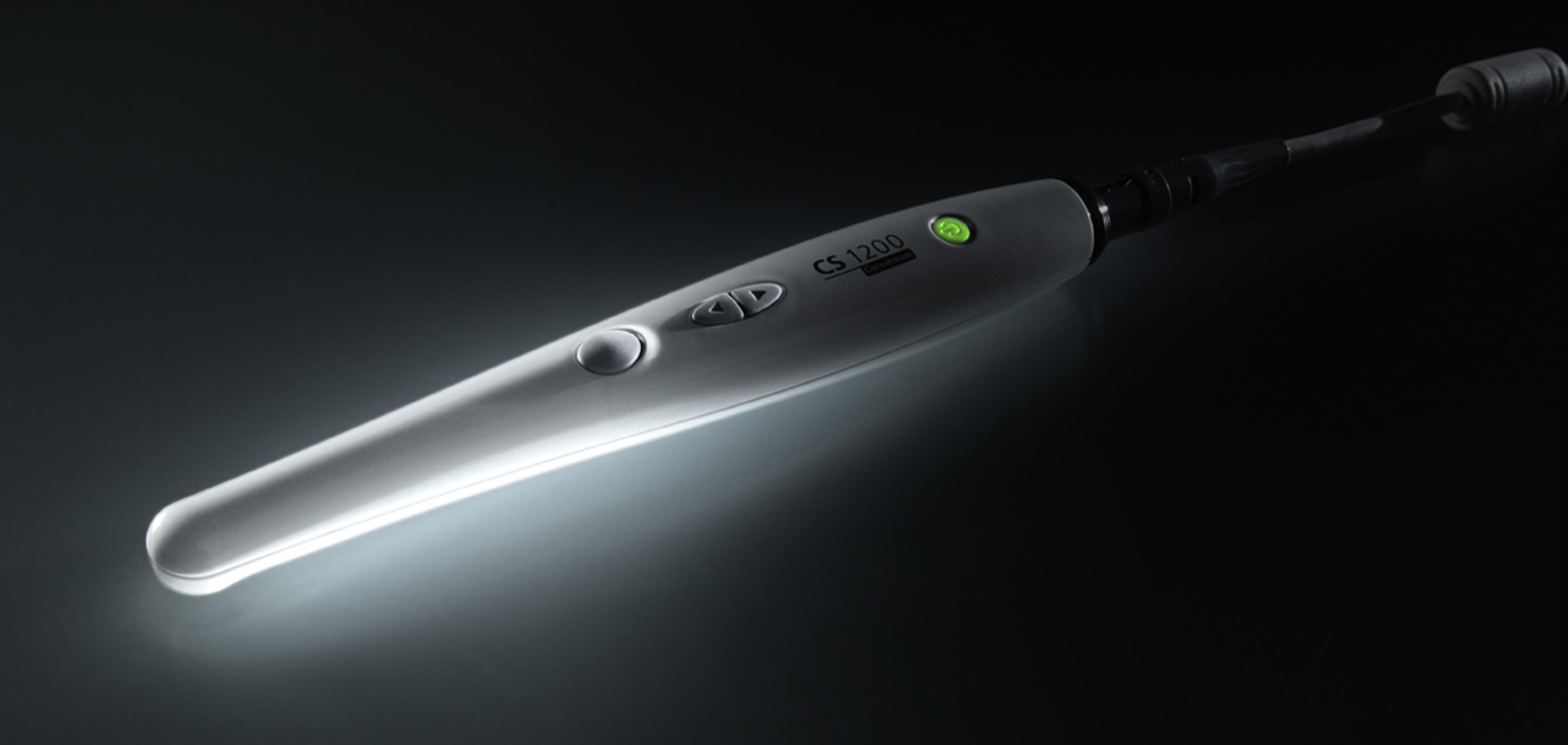 DenTec anbefaler CS 1200 fra Carestream. Intraoralt kamera